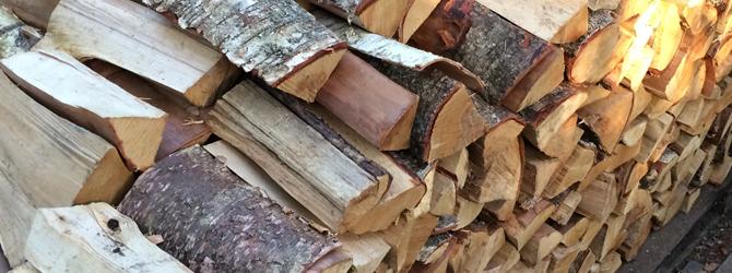 Brennholz – Wir stapeln für Sie!